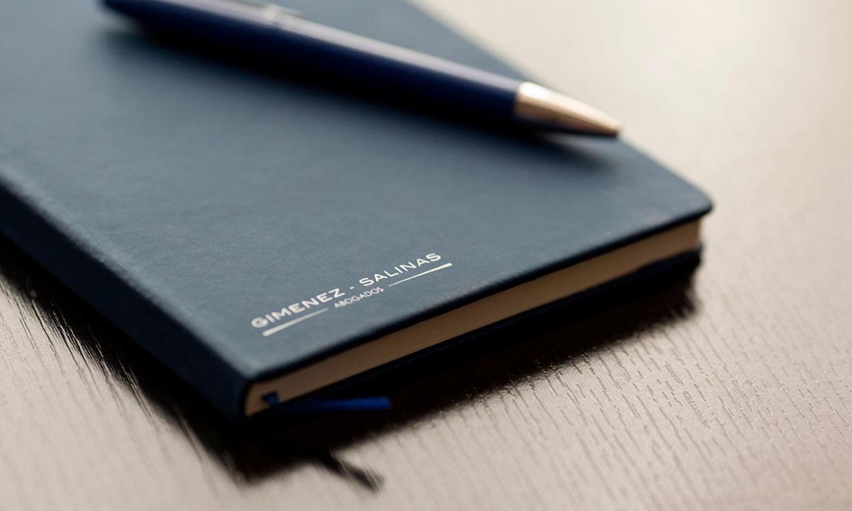 El Bufete se fundó en el año 1941 y, desde entonces, se ha dedicado principalmente al asesoramiento legal en materia de gestión y resolución de conflictos.